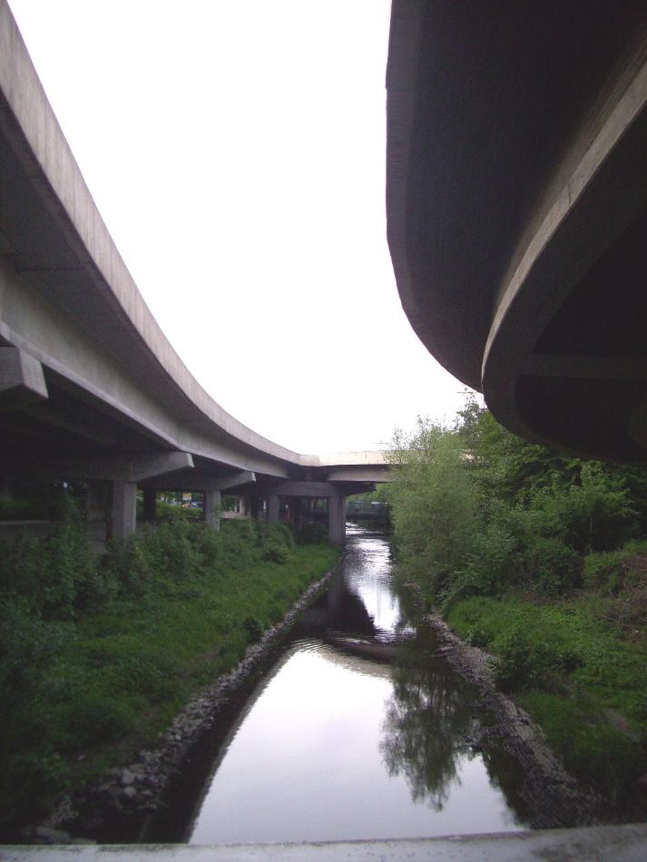 Brücken über der Ferndorf